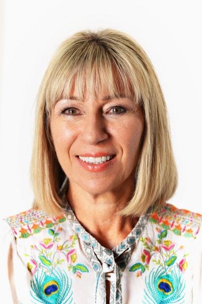Anita Selzer