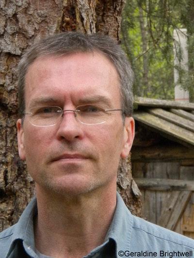 Ian C Esslemont
