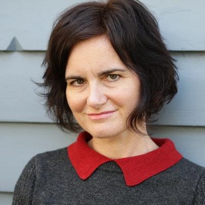 portrait photo of Fran Cusworth