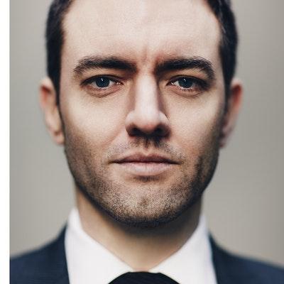 portrait photo of Alex Hammond