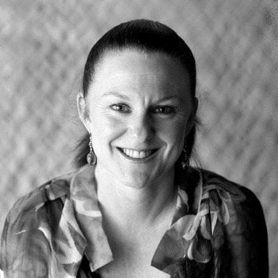 portrait photo of Roberta Muir