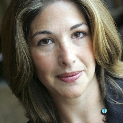 portrait photo of Naomi Klein