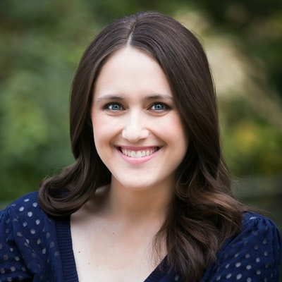 portrait photo of Becky Albertalli