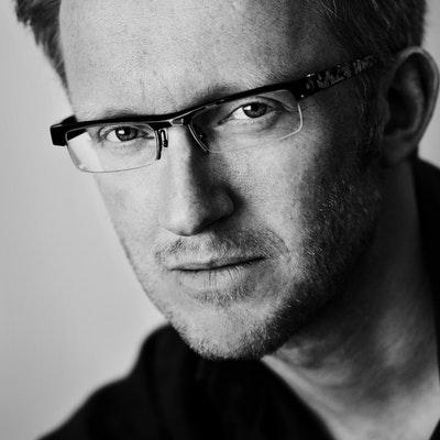 portrait photo of David Van Reybrouck