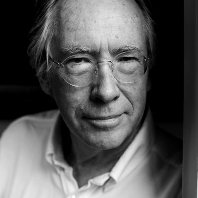 portrait photo of Ian McEwan