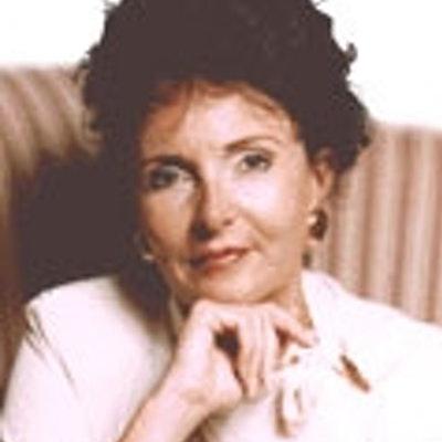 portrait photo of Rosemary Altea