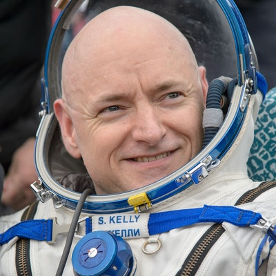 portrait photo of Scott Kelly