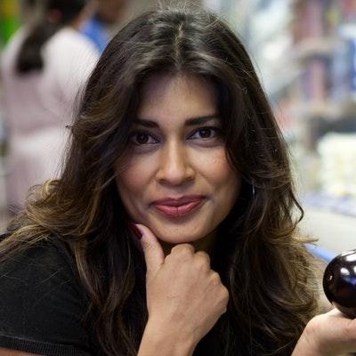 portrait photo of Nisha Katona