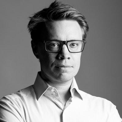 portrait photo of Alex Evans