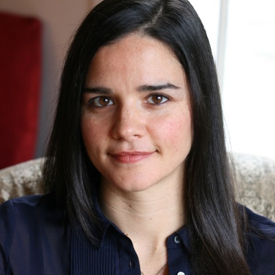 portrait photo of Elena Passarello