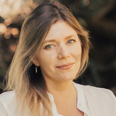 portrait photo of Melinda Williams