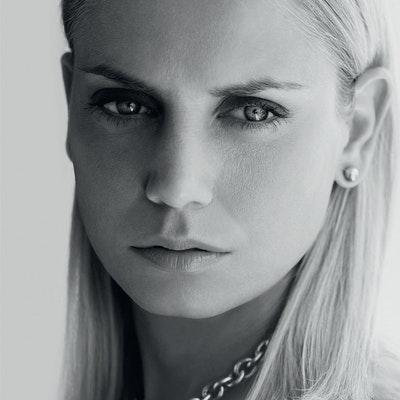 portrait photo of Jelena Dokic
