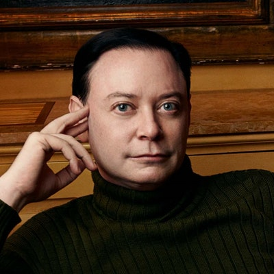 portrait photo of Andrew Solomon