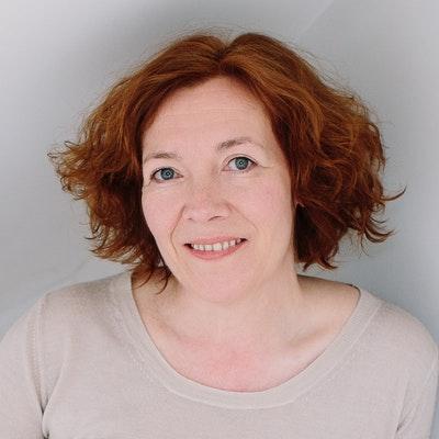portrait photo of Diane Setterfield