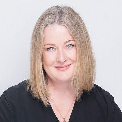 portrait photo of Stephanie Wood