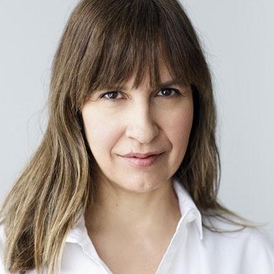 portrait photo of Lisa Gabriele