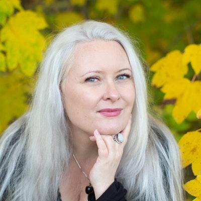 portrait photo of Camilla Bruce