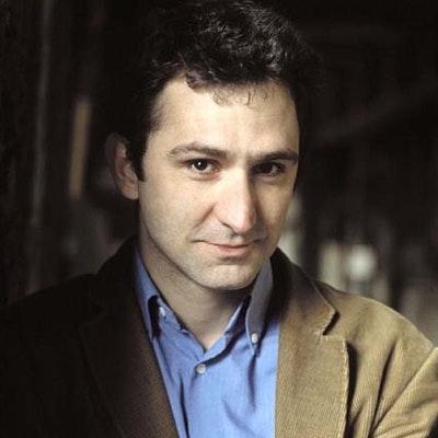 portrait photo of Jonathan Stroud