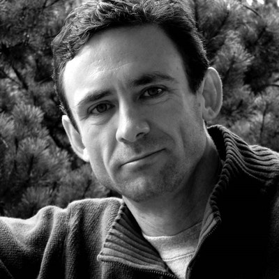 portrait photo of Chuck Palahniuk
