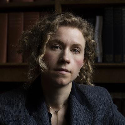 portrait photo of Menna van Praag