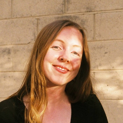 portrait photo of Anna Zobel