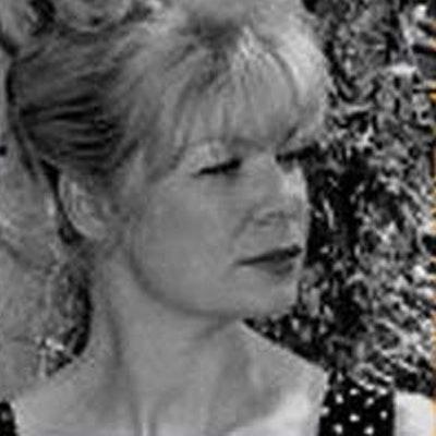portrait photo of Jeanne Willis