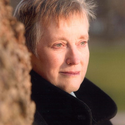 portrait photo of Stella Rimington