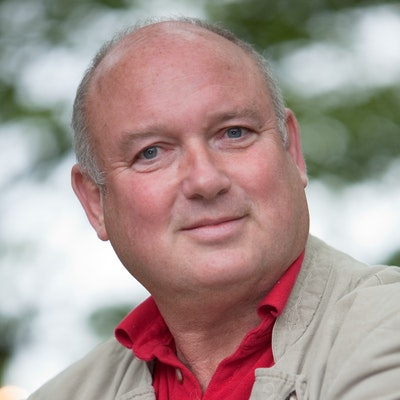 portrait photo of Louis de Bernieres