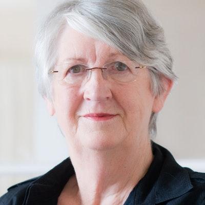 portrait photo of Fiona Kidman