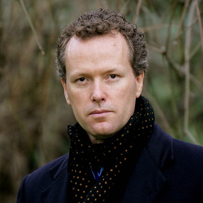 portrait photo of Edward St Aubyn