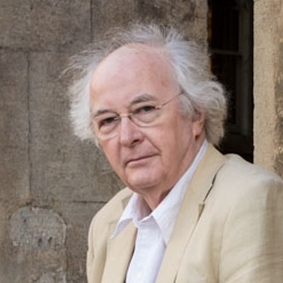 portrait photo of Philip Pullman