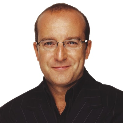 portrait photo of Paul McKenna