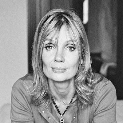 portrait photo of Mo Hayder