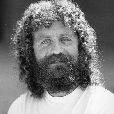 portrait photo of Robert M Sapolsky