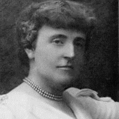 portrait photo of Frances Hodgson Burnett