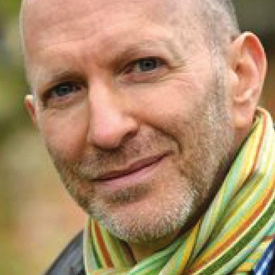 portrait photo of Simon Sebag Montefiore