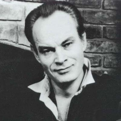 portrait photo of David Gemmell