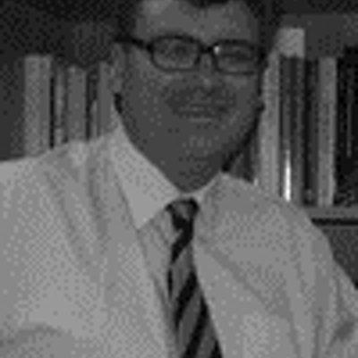 portrait photo of Andrew Martin