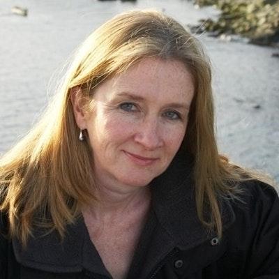 portrait photo of Sharon Bolton