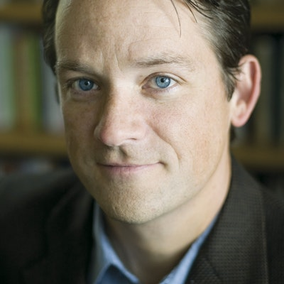 portrait photo of Daniel Coyle