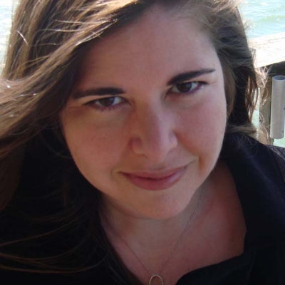 portrait photo of Lisa Unger
