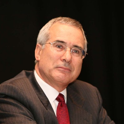 portrait photo of Nicholas Stern