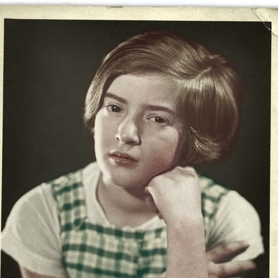 portrait photo of Ruth Maier