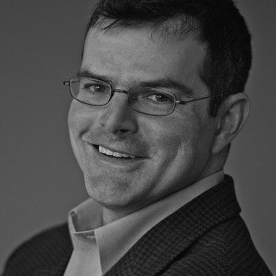 portrait photo of Scott Stossel