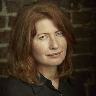 portrait photo of Belinda Bauer