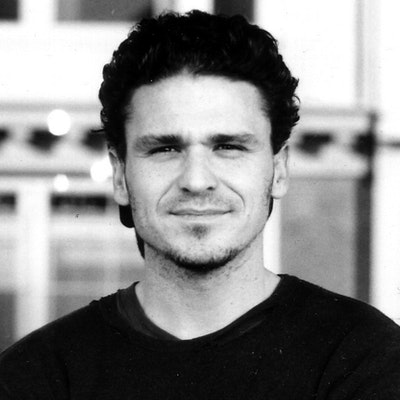 portrait photo of Dave Eggers