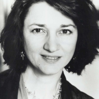 portrait photo of Marina Warner
