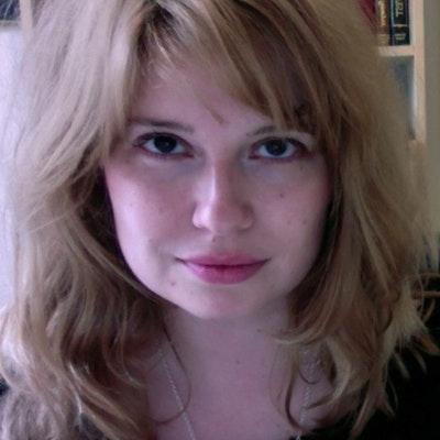 portrait photo of Lauren Beard