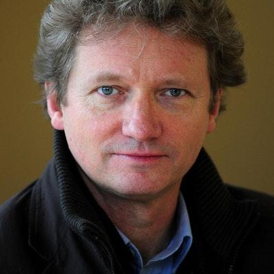 portrait photo of Peter Popham