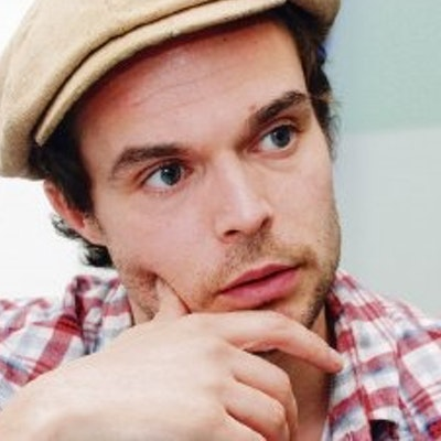portrait photo of Oliver Jeffers